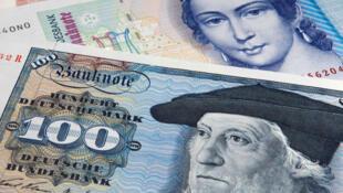 En Allemagne, la nostalgie est particulièrement forte pour le Deutsche Mark, l'ancienne monnaie.