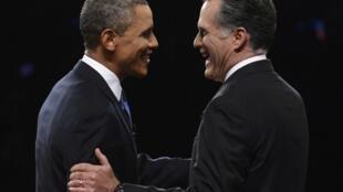 La première accolade, avant l'ouverture du débat à Denver, fut chaleureuse, le 3 octobre 2012.