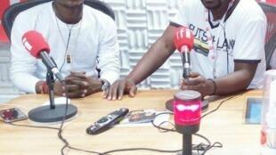 Msanii baranaba na mtangazaji Ali Bilali ndani ya studio za RFI Kiswahili