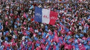 La manifestation contre le mariage pour tous a rassemblé entre 150000 (police) et un million de personnes (organisateurs). Ici, sur l'esplanade des Invalides, à Paris.