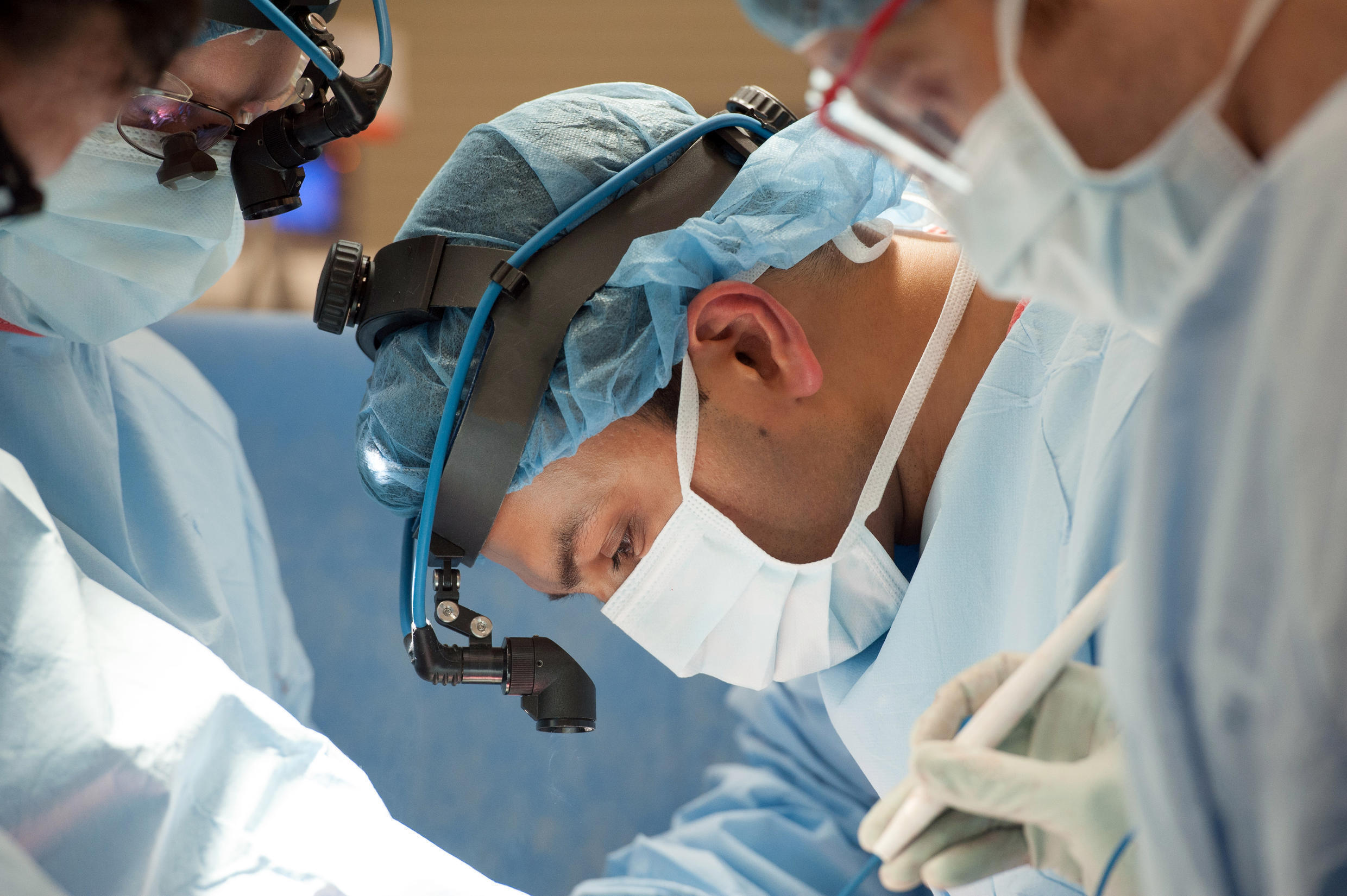 This image released by Northwestern Medicine, shows transplant surgeon, Ankit Bharat, at Northwestern Memorial Hospital in Chicago, where surgeons have performed a double-lung transplant on a COVID-19 patient