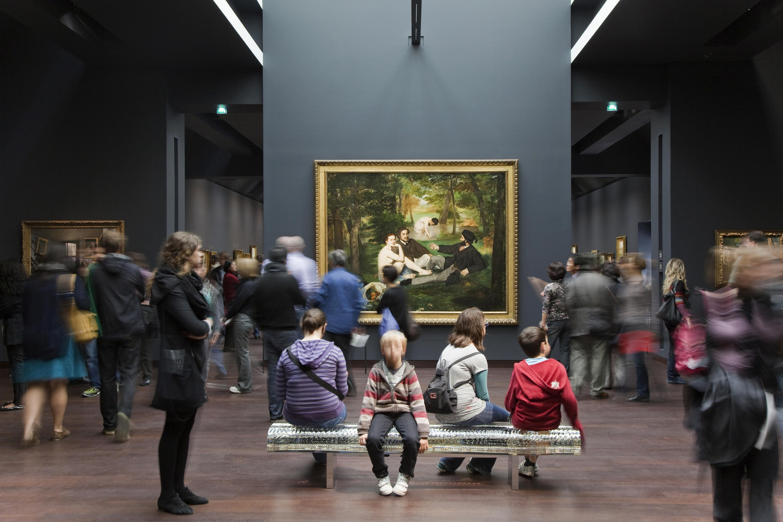 Новый директор музея Лоранс де Кар делает ставку на соцсети, чтобы расширить аудиторию Орсе.