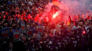 德国开姆尼茨27日发生骚乱
