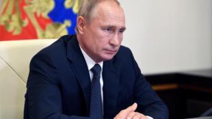 2020-08-11T093124Z_2058955074_RC2LBI98SL4U_RTRMADP_3_HEALTH-CORONAVIRUS-RUSSIA-VACCINE-PUTIN