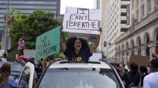 Manifestation à Houston au Texas, le 29 mai 2020, après la mort de George Floyd, asphyxié par un policier et décédé en détention.