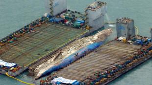 L'opération de renflouement du ferry Sewol a commencé le 22 mars et pourrait durer plusieurs jours.