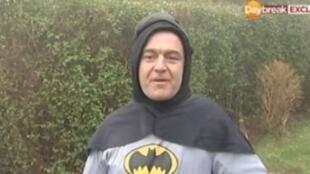 Stan Worby, ou Batman, que levou um suspeito de fraude para a delegacia em Bradford.