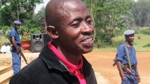 Wakilin RFI a Sashen Swahili  Hassan Ruvakuki, Dan jaridar kasar Burundi