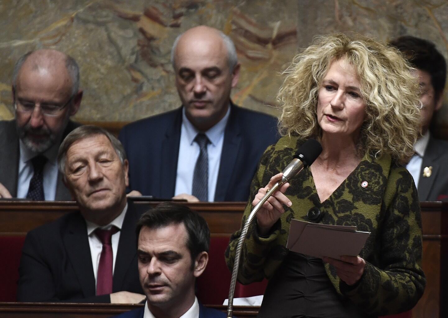 La député LaREM du Bas-Rhin, Martine Wonner (à dr.), à l'Assemblée nationale.