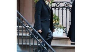 Джон Гальяно в костюме, который New York Post расценивает как пародию на хасидскую одежду