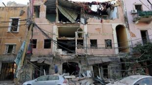 Un bâtiment endommagé près du site de l'explosion de mardi dans la zone portuaire de Beyrouth, le 5 août 2020.