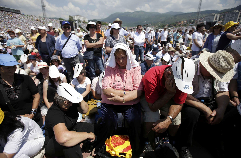 La foule dans le stade de Sarajevo, le 6 juin 2015.