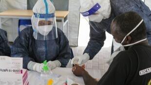 Polémica da vacina AstraZeneca anti-Covid chega a Cabo Verde