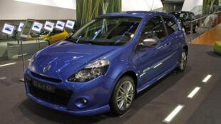 Clio, một kiểu xe hơi của hãng Renault.