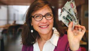 A cofundadora Brigitte Abel diz que as moedas locais não vão parar na especulação financeira, como o dinheiro tradicional.