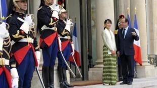 Аун Сан Су Чжи с президентом Франии в Париже
