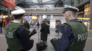 Police patrol Frankfurt airport