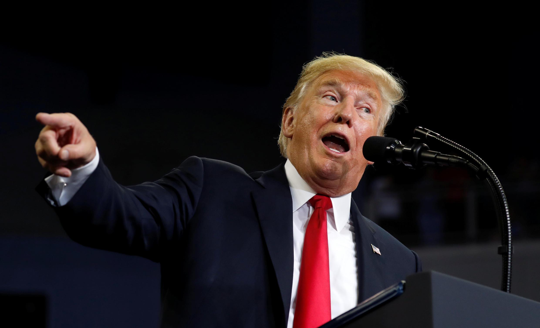 Trump dai na kokarin tilastawa shugabannin yankin na Falasdinu amincewa da hawa teburin sulhu don tattaunawa kan rikicin yankin gabas ta tsakiya.