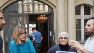 Avec Amir et Arij, la visite de Berlin commence dans le quartier multiculturel de Neukölln.