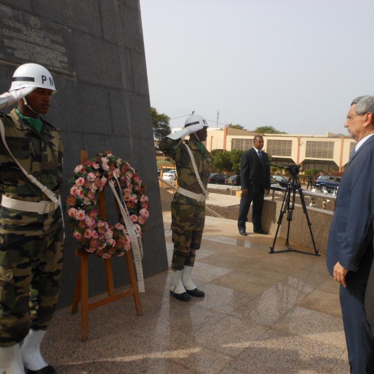 Jorge Carlos Fonseca, presidente de Cabo Verde, diante do memorial do Amílcar Cabral.