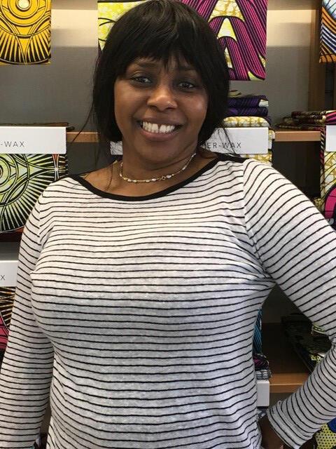 Adelina, da República Democrática do Congo, vive e trabalha no Matongé, o bairro africano de Bruxelas.