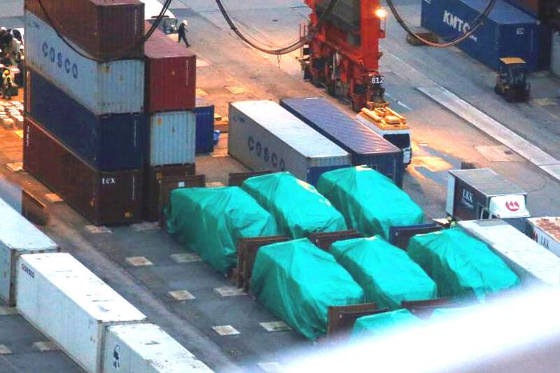 Các xe bọc thép tại cảng Hồng Kông sẽ được trao trả cho Singapore