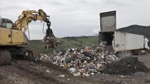 Tri et recyclage de déchets à Palerme, en Sicile.