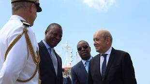 Jean Yves Le Crian, chefe da diplomacia francesa com o ministro moçambicano da defesa Jaime Neto, Maputo 22/02/2020