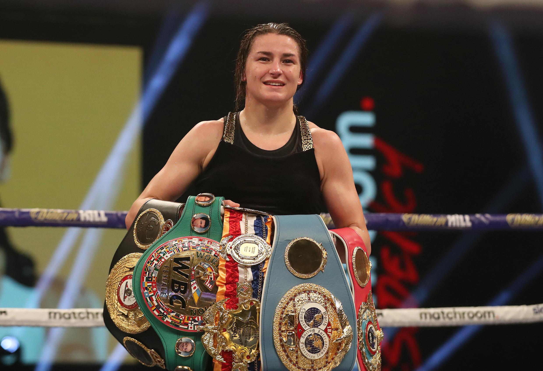 L'Irlandaise Katie Taylor avec toutes ses ceintures.