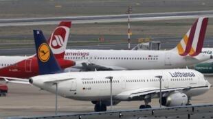 Deux avions de la Lufthansa, dont un de sa compagnie low cost Germanwings se croisent.