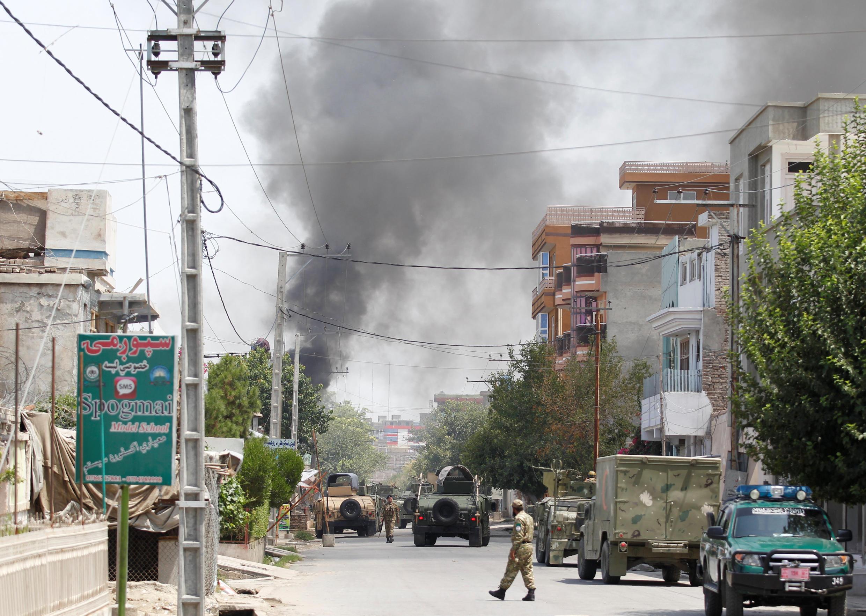 Mashambulizi ya kujitoa mhanga yanaendelea kuathiri mji mkuu wa Jalalabad, Afghanistan.