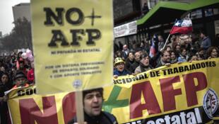 Protesta en Santiago de Chile contra las AFP, el pasado 24 de julio de 2016.