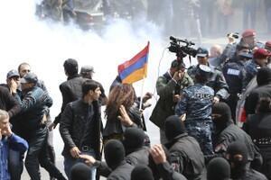 亚美尼亚爆发大规模示威活动。2018-04-22