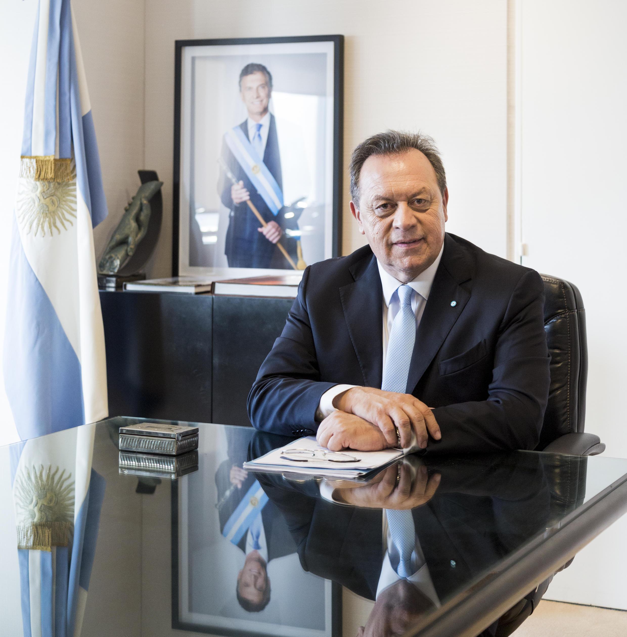 Ministro do Turismo da Argentina, Gustavo Santos, quer rotas comuns de cruzeiros entre Brasil e Argentina