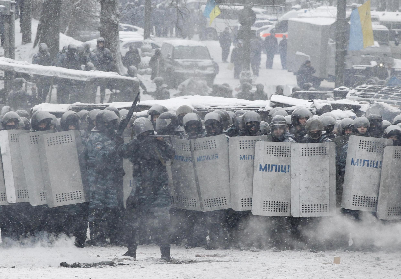 Policías en las calles de Kiev, este 22 de enero de 2014.