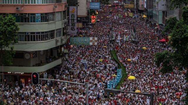 艾未未推出纪录片曱甴 再现香港反送中景(photo:RFI)