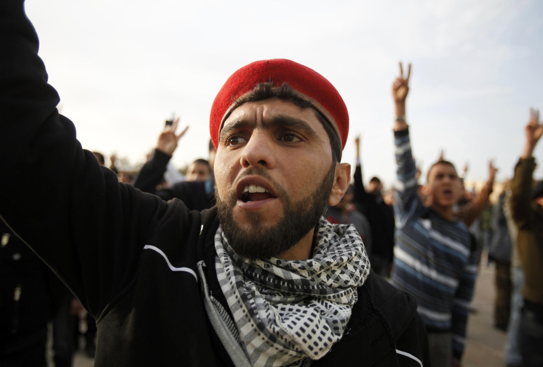 Fuerzas anti Gadafi en un entrenamiento, en Benghazi, este martes.