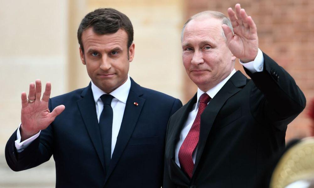 ولادیمیر پوتین و امانوئل ماکرون، رؤسای جمهوری روسیه و فرانسه