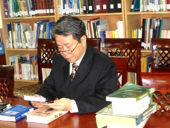 Tác giả Nguyễn Trần Bạt (DR)
