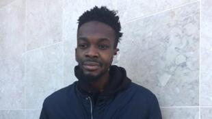 Hortêncio Coxi, jovem angolano agredido pela polícia no Bairro da Jamaica, foto da vivenciasnewspress.com com a devida vénia