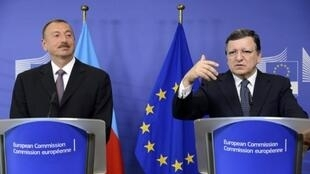 Le président d'Azerbaïdjan, Ilham Aliev,  et le président de la Commission européenne, Jose Manuel Barroso, pendant une coférence de presse à Bruxelles, le 21 juin 2013.