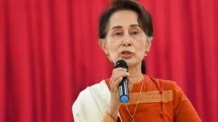 Aung San Suu Kyi brinda un discurso en Thayarwaddy el 14 de marzo de 2019