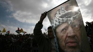 Arafat was poisoned to death in 2004 with radioactive polonium, his widow Suha said on 6 November