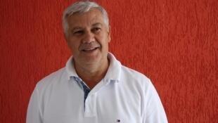 Romênio Pereira está na França para dialogar com lideranças da esquerda francesa.