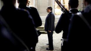 O presidente egípcio Abdel Fattah al-Sissi desembarcou em Paris para uma visita oficial de três dias.