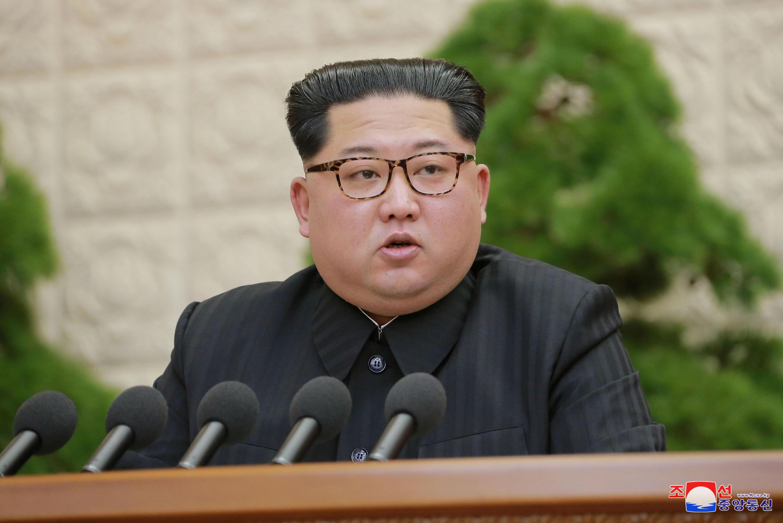 Le leader nord-coréen Kim Jong-un, lors d'une apparition télévisée, le 20 avril 2018.