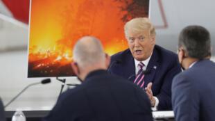 Shugaba Donald Trump na Amurka ya sha karyata batun dumamar duniya