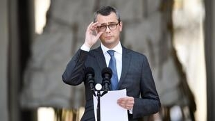 Alexis Kohler, secrétaire général du palais présidentiel de l'Elysée, annonce la composition du gouvernement français, le 17 mai 2017 à Paris, deux jours après la nomination du Premier ministre français.