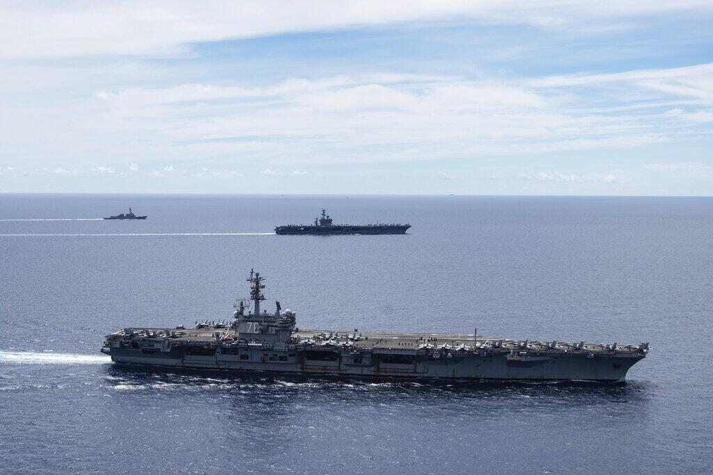 Tàu sân bay USS Ronald Reagan và USS Nimitz hoạt động trên Biển Đông ngày 06/07/2020. Ảnh do Hải quân Mỹ cung cấp.
