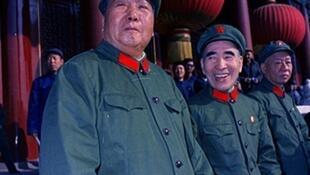 1966年9月毛检阅红卫兵。右为刘少奇,中间林彪。